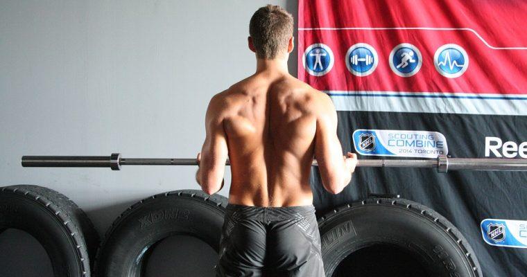 逆三角形の背中を作る筋トレ法!!自重でできるトレーニングとは?