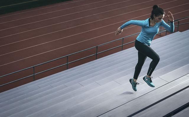 ダイエットして痩せるなら「運動筋トレor食事制限」どっちが効果的?