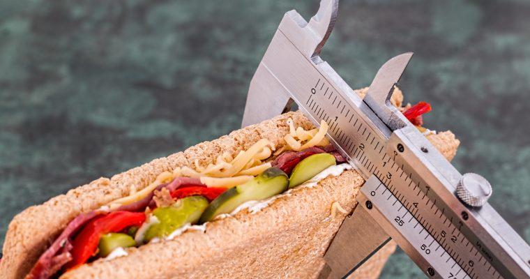 パーソナルトレーニングで食事制限しながら筋肉を減らさない方法